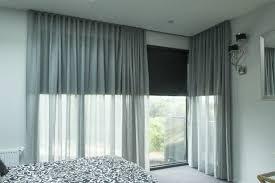 moquette chambre coucher rideau voilage gris dans la chambre à coucher avec rideaux longs