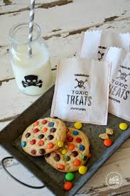 halloween gift bag ideas 7 delicious diy trick or treat candy ideas