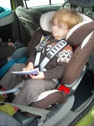 siege auto sans ceinture la sécurité routière la sécurité auto vaut aussi pour nos enfants