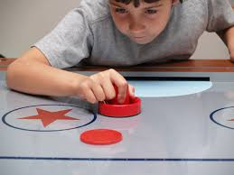 how to play air hockey