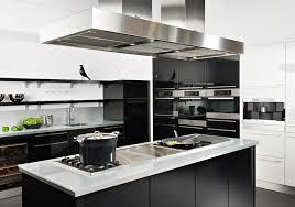 cuisine moderne noir et blanc modele cuisine noir et blanc newsindo co