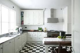 cuisine blanc et noir carrelage ciment noir et blanc cuisine cethosia me
