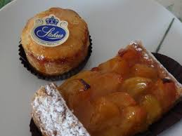 amour et cuisine puits d amour et tarte abricot picture of patisserie stohrer