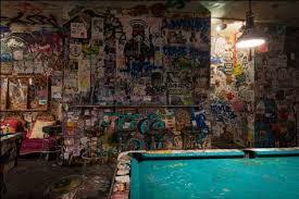 tattooed mom dive bar in philadelphia divebarshirtclub com t