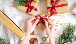 quick tricks and ideas for wrapping christmas presents the
