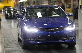 chrysler car 200 chrysler hits retail milestone tops ford wsj