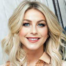 julia hough new haircut julianne hough got a perm but it s not what you think glamour