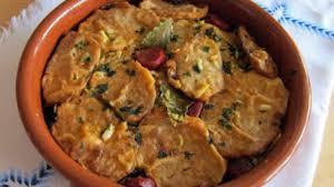 cuisiner la palette de porc ragoût à la palette de porc pommes de terre et chignons