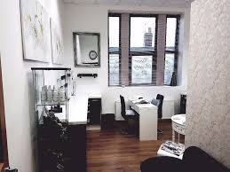 table to rent for nail technician in manchester gumtree