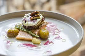 Restaurant Esszimmer Salzburg Gault Millau Gedämpfter Saibling Mit Radicchio Ziegenkäse Und Radicchiosaft