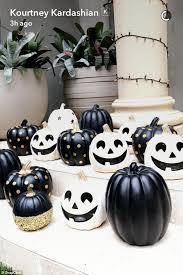 Kourtney Kardashian New Home Decor by Kourtney Kardashian Shows Off Halloween Decorations Daily Mail