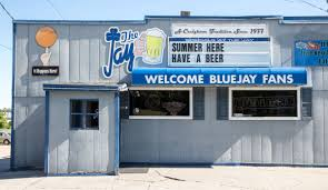 Closing In Business Letter by Blue Jay Bar Closing After 40 Years In Business Omaha Metro