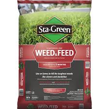 shop sta green weed u0026 feed 15000 sq ft 28 0 4 at lowes com