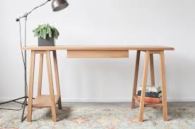amazing simple sawhorse desk plans with drawers