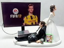 gamer wedding cake topper wedding cake topper fifa17 gamer xbox one ps4 pc 2608491 weddbook