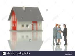 Ein Haus Zu Kaufen Symbolic Buying House Stockfotos U0026 Symbolic Buying House Bilder
