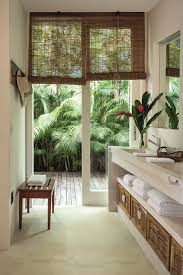 woven wooden blinds shades to accentuate the tropical theme room