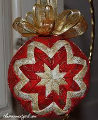 and gold quilted ornament got to learn how to make these