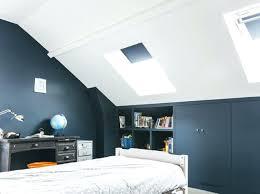 peinture chambre sous pente chambre bleue sous les toits peinture