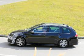 Golf R Usa Release Date Volkswagen Golf R Sportwagen Facelift Spotted Trying To Hide Its