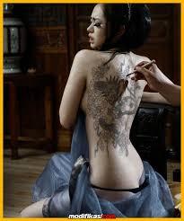 tato keren wanita indonesia 4 lokasi tatto di badan yang bikin wanita semakin hot dan seksi
