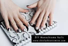 diy monochrome print nails hello gwen
