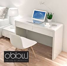 Modern White Computer Desk Photo Gallery Of White Gloss Computer Desk Viewing 15 Of 15 Photos