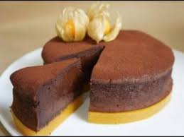 recette hervé cuisine moelleux au chocolat sur miroir mangue hervecuisine