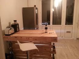 table de cuisine en palette table haute en palette affordable les meilleures ides de la