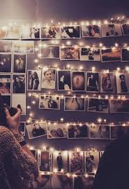 lights on wall with pictures how to organize your photo wall 21 ideas messagenote