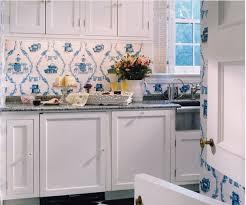 peindre meuble cuisine sans poncer repeindre un meuble en bois sans poncer simple repeindre meuble