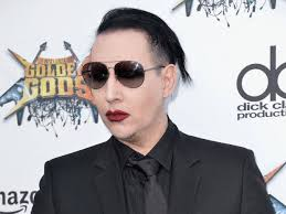 marilyn manson marilyn manson buries hatchet with justin bieber over t shirt feud
