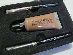 besides getting nicer brows another good thing about this waterproof corrector is that the color stays even after you rinsed your face with water and