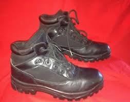 s boots size 9 1 2 pre owned die die 6 84095 black boots size 9 1 2 ebay