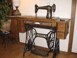 Singer Sewing Machine With Cabinet by 28 Best Singer 66 1 Images On Pinterest Antique Sewing Machines