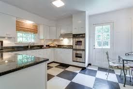 Kitchen Cabinets Memphis Hobson Realtors 999 Audubon Dr Memphis Tn 38117