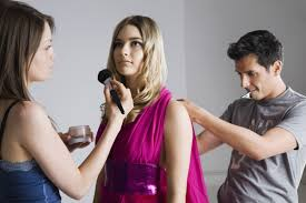 Fashion Stylist Certificate Programs What Does A Fashion Stylist High Paying Job Finder And Careers