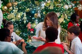 christmas decorations images christmas decorations white house christmas 2017 pictures