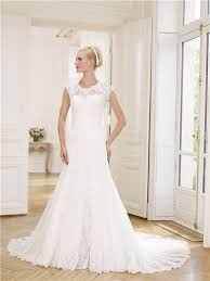 scoop neckline tulle lace wedding dress detachable cap sleeves