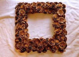 Pinecone Diy Home Staging Tips Diy Tutorial How To Make A Pine Cone Wreath