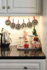 Christmas Decoration For Kitchen by Best 25 Christmas Kitchen Decorations Ideas On Pinterest
