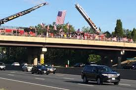 9 11 Remembrance Flag Flag Wavers Get Strong Support From Motorists On I 95 During