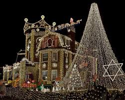 Outdoor Christmas Light Safety - the safe choices to decorate your home or office for christmas