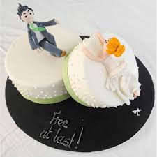 divorce cakes celebrate your new found freedom with a novelty