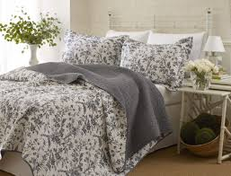 Ideas For Toile Quilt Design Bedroom White Toile Bedding Design With Pattern Bed Cover And