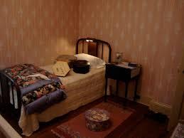bedroom medium bedroom ideas for women in their 30s concrete bedroom expansive bedroom ideas for women in their 30s vinyl area rugs floor lamps black