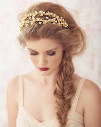 Frisuren Selber Machen Haarband by Fischgrätenzopf Seltlich Getragen Look Und Goldenes