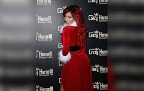 crazy sexy cancer stock fotos und bilder getty images farrah abraham puts her curves on full display in a holiday outfit