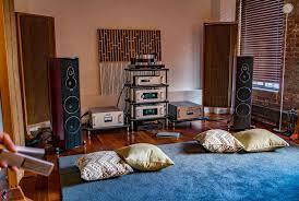 world of mcintosh listening to the sonus faber amati tradition