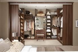 schlafzimmer kleiderschrank schlafzimmer mit begehbarem kleiderschrank eine perfekte ordnung